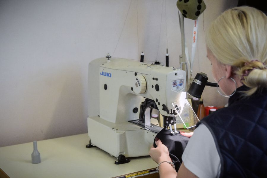Odeva Lipany - uzávierkovaci stroj