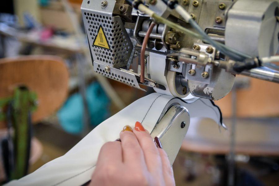 Odeva Lipany - Stroje na lepenie švov